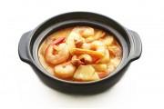 T15 Marmite aux crevettes  et à l'ananas frais à la thaïlandaise